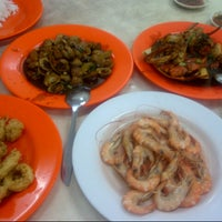 Photo taken at Seafood Anton 88 by Yuliana P. on 4/9/2013