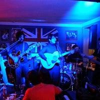 Photo taken at Old School Rock Bar by Fábio C. on 12/31/2012