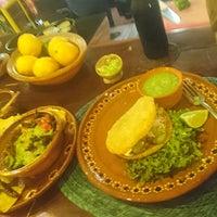 Foto scattata a La perla pixán cuisine & mezcal store da joonspoon il 4/8/2018