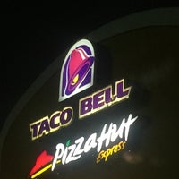 Photo taken at Taco Bell by Damron C. on 5/12/2016