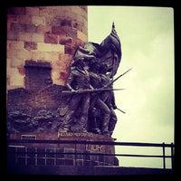 Foto tomada en Glorieta Monumento a Los Niños Héroes por Veronica el 6/26/2013