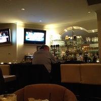 Foto tirada no(a) The Grand Hotel & Suites Toronto por Matthew H. em 10/30/2012