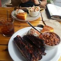 6/23/2013 tarihinde Jay C.ziyaretçi tarafından Podnah's Pit BBQ'de çekilen fotoğraf