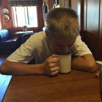Foto diambil di Echo Lake Cafe oleh Elizabeth K. pada 6/13/2015