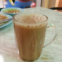 Photo taken at Nasi Kandar Padang Kota by Nasif J. on 2/25/2013