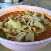 Photo taken at Kedai Kopi Sin Wan Pan Mee by Karyn K. on 11/20/2015