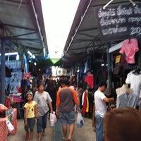 Photo taken at Sammakorn Weekend Market by สุทธิเดช ม. on 10/21/2012