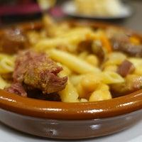 Foto tirada no(a) Oporto restaurante por Juan P. em 9/21/2015