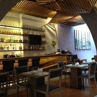 Foto tomada en MX Restaurante por Dean C. el 11/5/2012