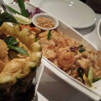 Photo taken at Mengrai Gourmet Thai by Cindy R. on 4/15/2014