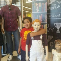 Photo taken at Old Navy by Suzanna M. on 8/1/2015