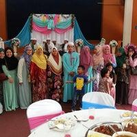 Photo taken at dewan serbaguna jinjang utara, kl by Isa Zaihasram on 9/13/2014