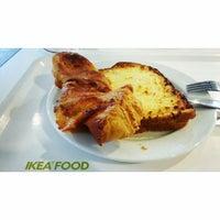 Photo prise au IKEA Restaurant & Café par Ivan K. le10/4/2013