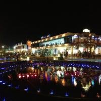 Foto tomada en Soho Square Sharm El Sheikh por Essa A. el 6/13/2013