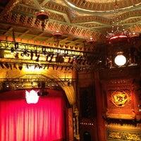 Photo prise au The 5th Avenue Theatre par Richard C. le7/28/2013