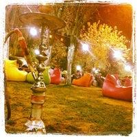 Das Foto wurde bei Kuğulu Park Cafe & Restaurant von Mustafa Ç. am 9/15/2012 aufgenommen