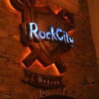 5/22/2013 tarihinde Çağlar D.ziyaretçi tarafından Kule Rock City'de çekilen fotoğraf