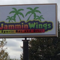Photo taken at Jammin' Wings by Robert E. on 10/24/2013