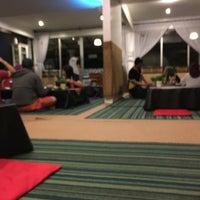 Photo taken at D'KL Restaurant, Kampung Likas by Rafiq R. on 1/15/2017