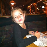Photo taken at Applebee's Neighborhood Grill by Jim W. on 12/13/2012