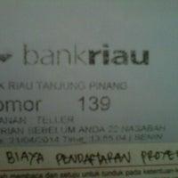 Photo taken at Bank Riau Kepri by zhengan正安 on 4/21/2014