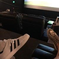 Foto tomada en Cinemex Platino por Adriana M. el 4/14/2018