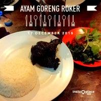 Photo taken at Ayam Goreng Roker by Q Daniel K. on 12/17/2015