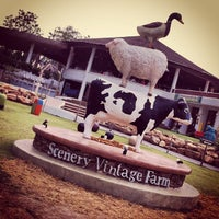 Photo taken at The Scenery Vintage Farm by Panuwat V. on 3/8/2013