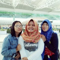 Photo taken at Sepinggan International Airport by Rahma Akira Pia H. on 8/4/2014