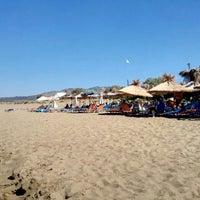 Photo taken at Παραλία Μπισκινόκαμπου by Luc L. on 8/29/2015