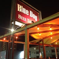 Photo prise au The Blue Dog Beer Tavern par Luc V. le2/21/2013