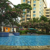 Photo taken at Swimming pool - Mercure Hotel by bunda a. on 6/13/2014