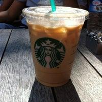 Das Foto wurde bei Starbucks von 🌟Burcu P. am 9/22/2012 aufgenommen