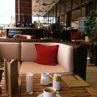 9/16/2013 tarihinde Tijen K.ziyaretçi tarafından Hilton Istanbul Executive Lounge'de çekilen fotoğraf