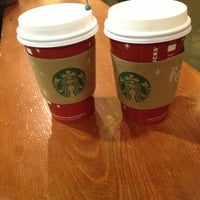 Photo taken at Starbucks by Gleiver P. on 12/22/2012