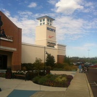 Photo taken at Philadelphia Premium Outlets by Chris A. on 10/20/2012