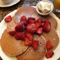 รูปภาพถ่ายที่ Richard Walker's Pancake House San Diego โดย Katie F. เมื่อ 10/5/2012