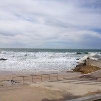 Foto tirada no(a) Praia do Moinho por Ana F. em 3/10/2013