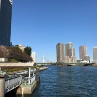 Photo taken at 水上バス 明石町・聖路加ガーデン前発着場 by Masato I. on 11/12/2017