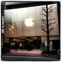 Photo taken at Apple Store by Naoki T. on 1/8/2013