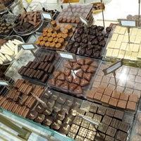 Photo prise au Mary Chocolaterie par Philippe S. le4/27/2014