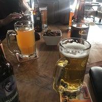 Das Foto wurde bei The Beer Box von Eduardo C. am 3/17/2018 aufgenommen