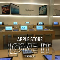 Photo taken at Apple by Stephen Y. on 1/30/2013