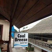 รูปภาพถ่ายที่ Cool Breeze Cafe โดย Irina M. เมื่อ 6/15/2015