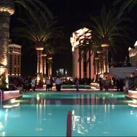 Foto scattata a Drai's Beach Club • Nightclub da @VegasBiLL il 6/8/2014