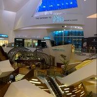 Das Foto wurde bei The Shops at Crystals von @VegasBiLL am 6/21/2013 aufgenommen
