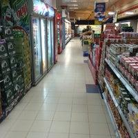 Photo taken at Safestway Supermarket سيفستوي by ™MЯ.Ω̶ℓMΩ̶Ƨı̝̚🐰 &. on 4/28/2014