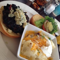 Photo taken at Boomerangs Gourmet Burger Joint by Adriana Z. on 9/29/2013