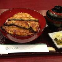 Photo taken at うなぎ 日本料理 大阪 竹葉亭 by hoot_1018 on 7/24/2013