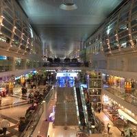 7/5/2013 tarihinde Barbara D.ziyaretçi tarafından Dubai Uluslararası Havalimanı (DXB)'de çekilen fotoğraf